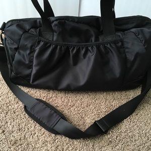 Kyodan Bags   Black Nylon Gym Bag Shoulder Duffle Tote   Poshmark 07360cf87f